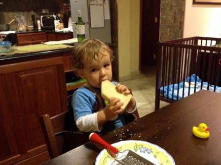 Comiendo parmesano