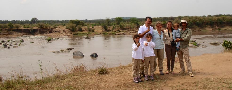 En el rio Mara con Carlota y Martina