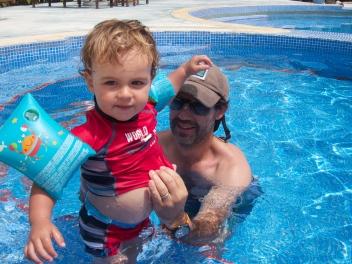 Nadando con papá
