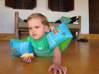 Comiendo croissant-Zanzibar